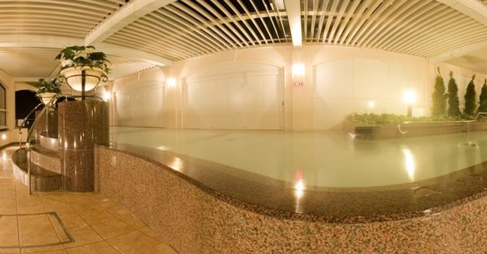 大浴場「湖眺の湯」