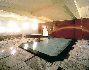 大理石のヴィーナス風呂が名物