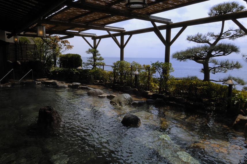 稲取銀水荘の露天風呂