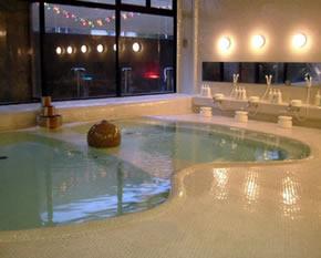 清潔感にあふれた大浴場
