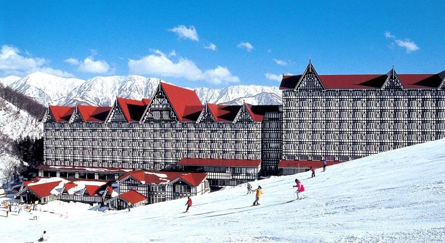 冬はスキーゲレンデ目の前