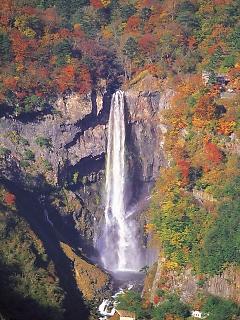三大名瀑の1つ「華厳ノ滝」