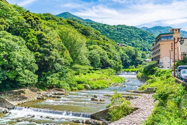 新緑の箱根湯本温泉