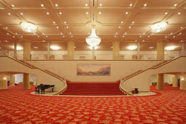 宝塚大劇場(ロビーイメージ)