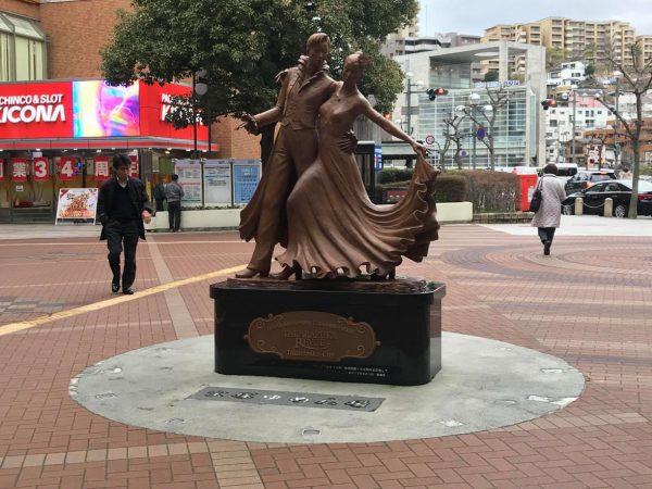 Mさん撮影(宝塚駅前のブロンズ像)