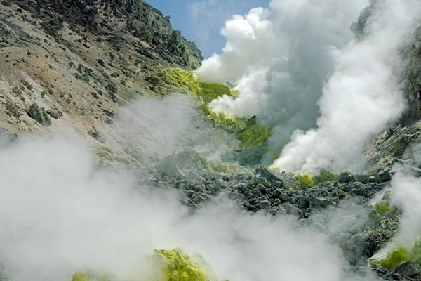 屈斜路湖の硫黄山