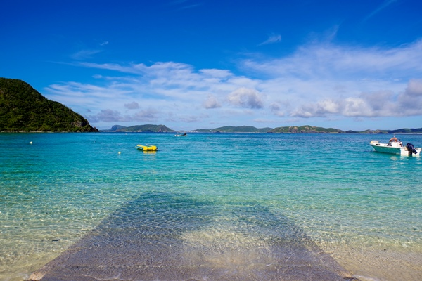 慶良間ブルーの海で遊ぼう