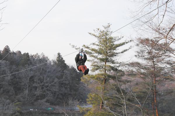 湖の上を滑空「タイクリン セイッカイルパイッカ」