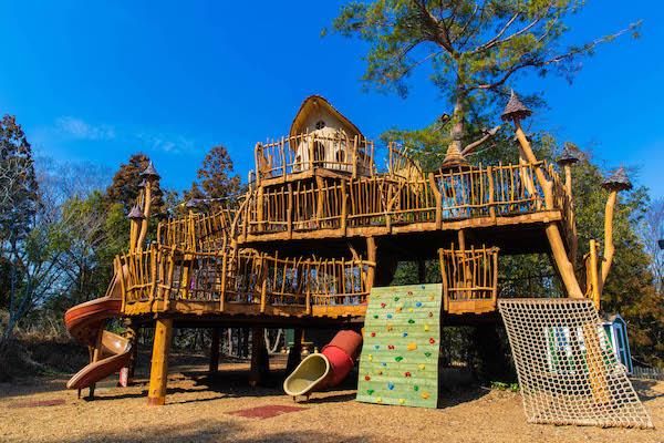 小さい子供も遊べるアスレチック施設「ヘムレン レイッキパイッカ」