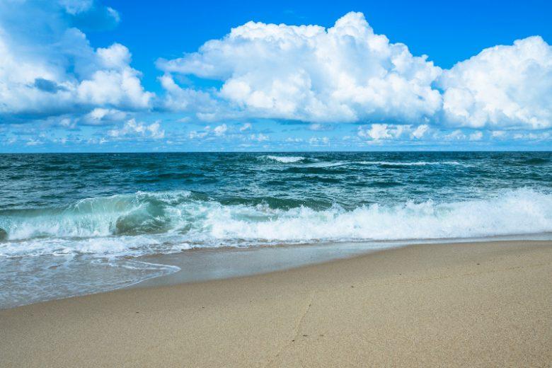 鳴き砂で有名な琴引浜