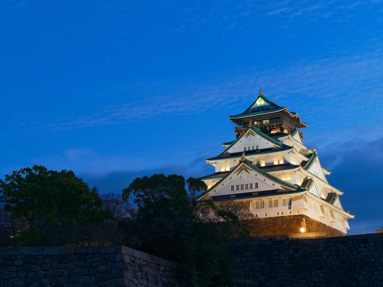 大阪城天守閣を望むビアガーデンが登場