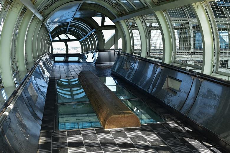 明石海峡大橋 ガラス張りの床