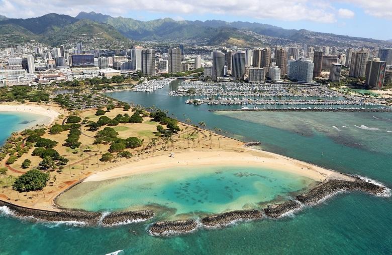ハワイ・アラモアナビーチ