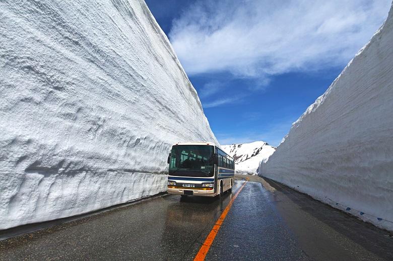 立山黒部アルペンルート・雪の大谷