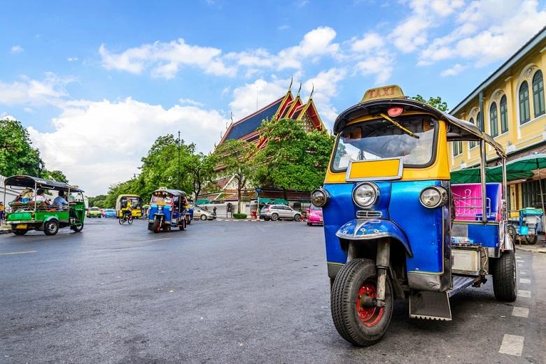タイは10月旅費安め