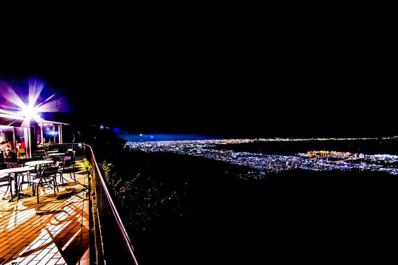 100万ドルの夜景といわれる六甲山からの眺め