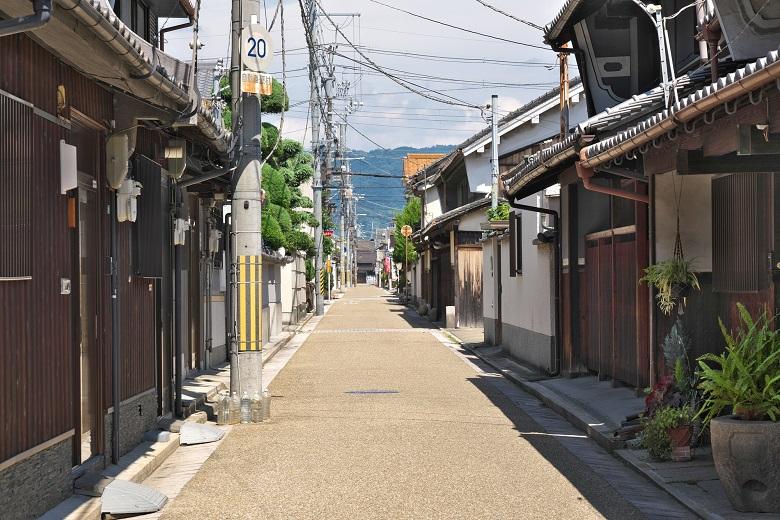 八尾市にある歴史的建造物が立ち並ぶ久宝寺寺内町