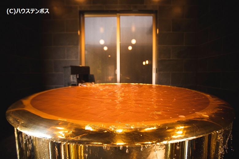 18金製の黄金風呂