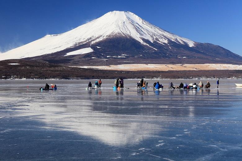 山中湖でワカサギ釣り