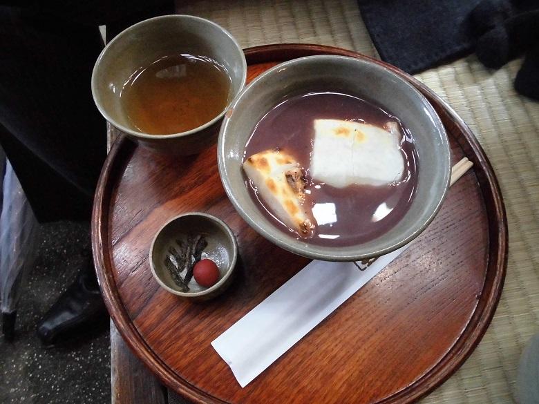 赤福本店・ぜんざいと番茶