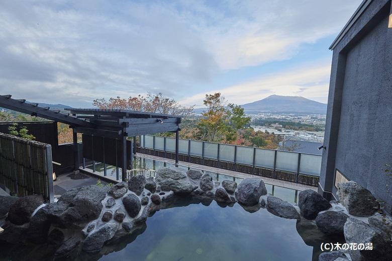 日帰り温泉「木の花の湯」大露天風呂
