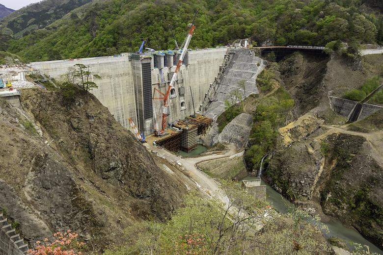 建設当時の八ッ場ダム