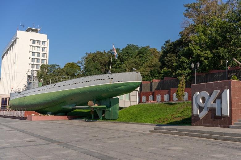 本物の潜水艦を展示