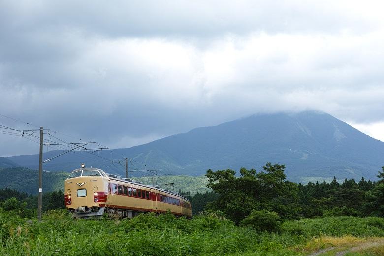 会津磐梯山と磐越西線