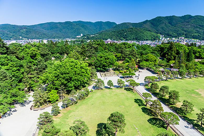 鶴ヶ城天守閣からの眺め