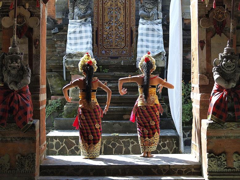 独自の舞踏や食文化、アートが息づくバリ島