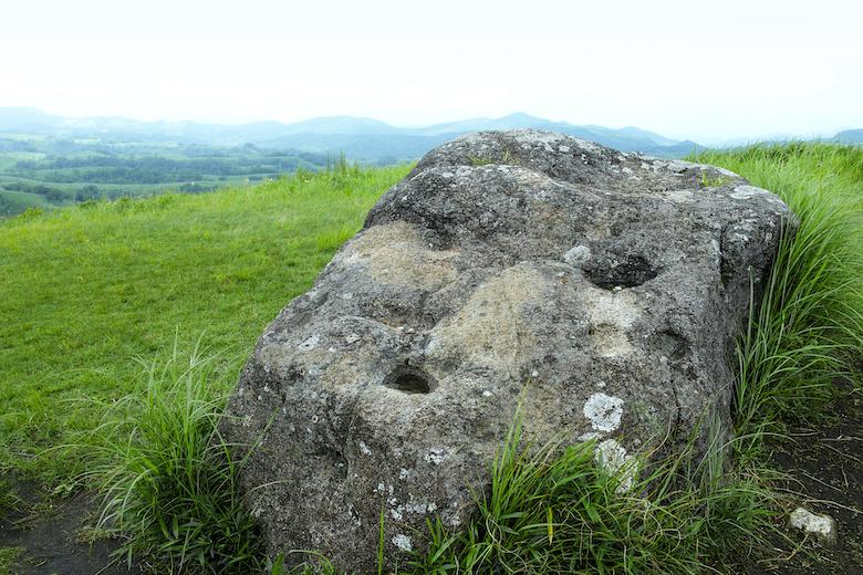 押戸石の丘 祭壇石