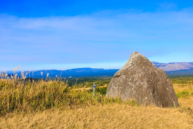 押戸石の丘 太陽石