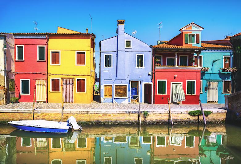 ブラーノ島のカラフルな街並み