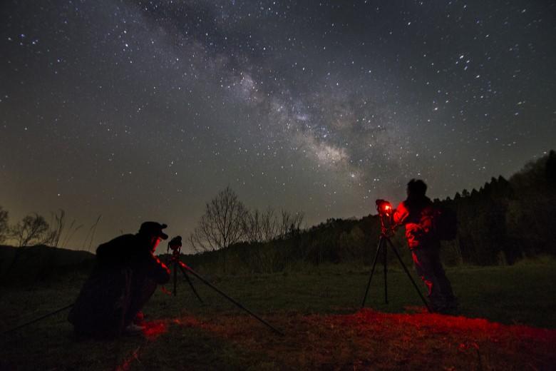 旅行会社に頼って天文合宿に行こう