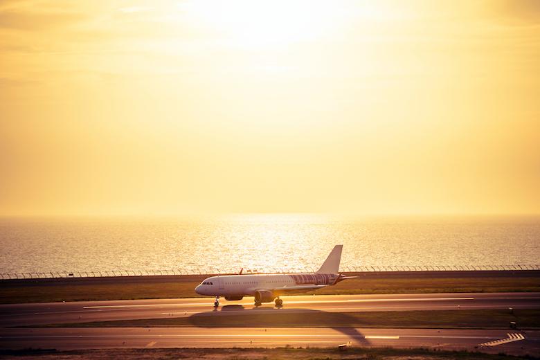 伊勢湾と飛行機
