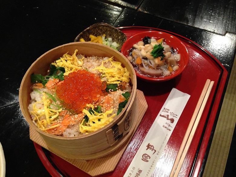 料理旅館「田事」のわっぱめしとこづゆ