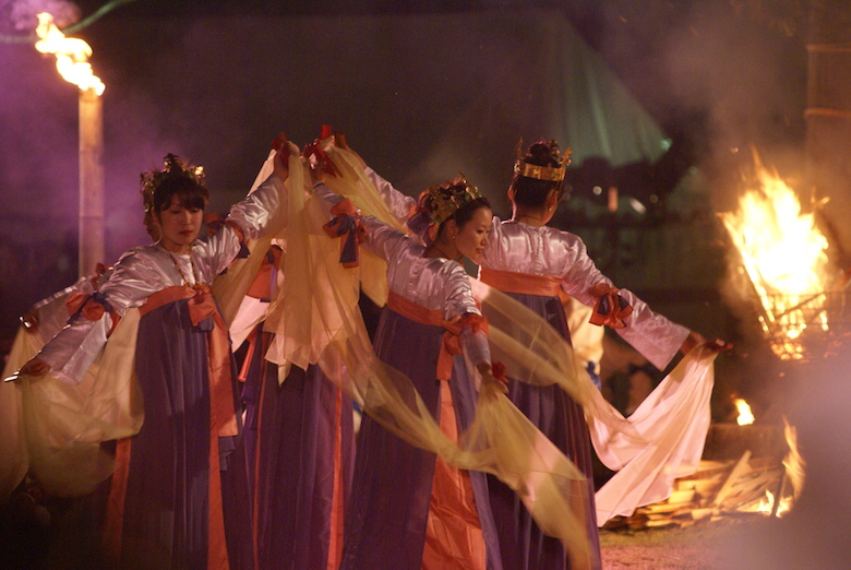 西都古墳祭りの炎の祭典