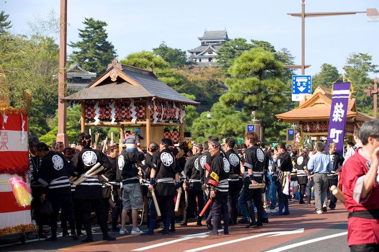 松江祭り鼕行列